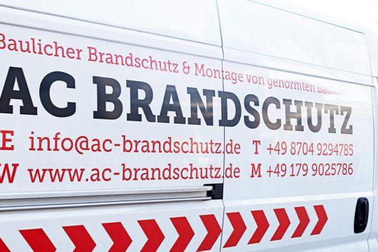 AC Brandschutz Fahrzeugbeklebung